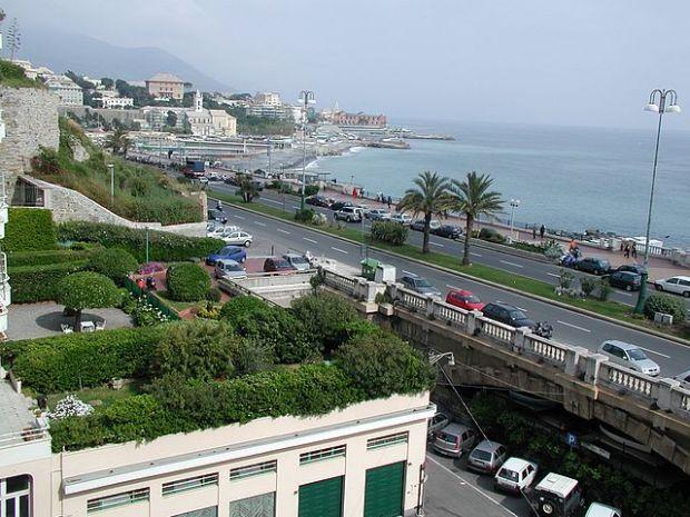 Genoa_Corso_Italia[1]