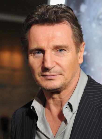 Liam+Neeson+Premiere+Grey+Red+Carpet+8r1qAiLkdIal[1]